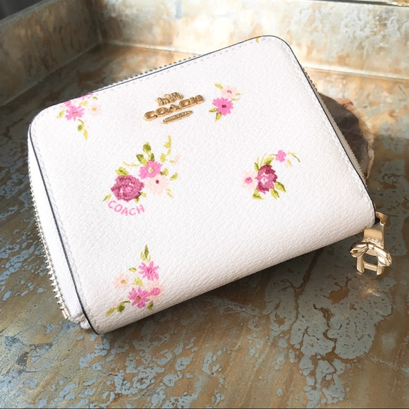 9c70f9ec6706 Coach Small Zip Around Wallet Chalk Floral